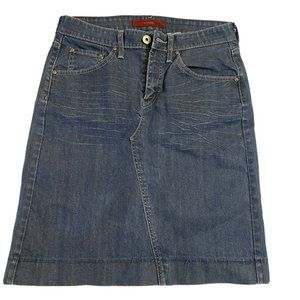 Women Sz 8 LEVIS Jeans Knee Length Blue Jean Skirt